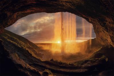 Солнечный водопад Исландия горы природа пейзаж водопад сельяландфосс