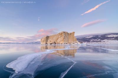 Среди льдов Байкал лед Малое Море остров зима