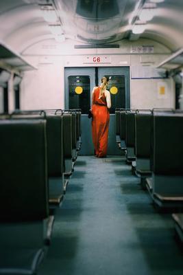 Про платье и вагон платье девушка вагон ночь