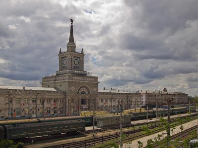 Вокзал. Волгоград вокзал весна
