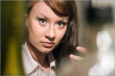 попался )) девушка настя зеркало макияж