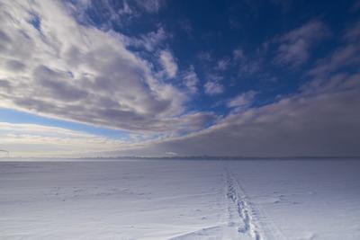 Через Волгу напрямик Небо вихрь Волга снег