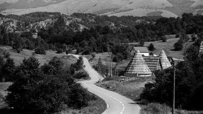 *** черногория пейзаж пленка дорога трасса чб