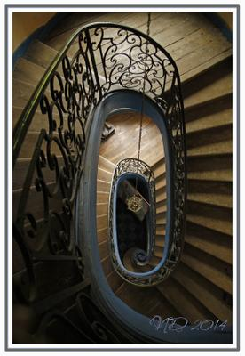 Лестница в замке лестница замок