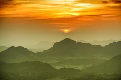 Восход на горе Синай, Египет.