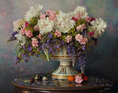 Натюрморт с цветами цветы пионы ваза букет