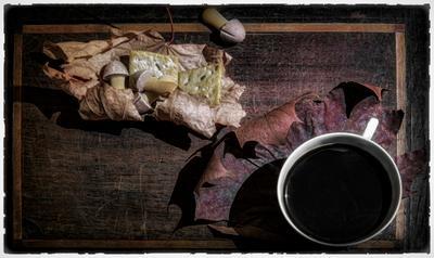 Кофе. кофе печенье листья стол