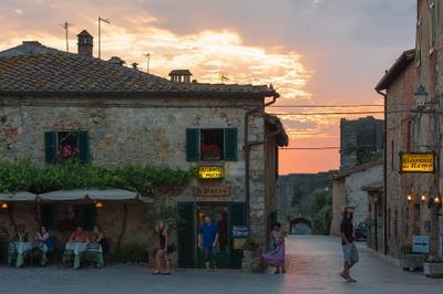 Тихий тосканский вечер... Tuscany, Italy, travel, city, street, sunset, Италия, Тоскана, путешествия,  вечер, закат,
