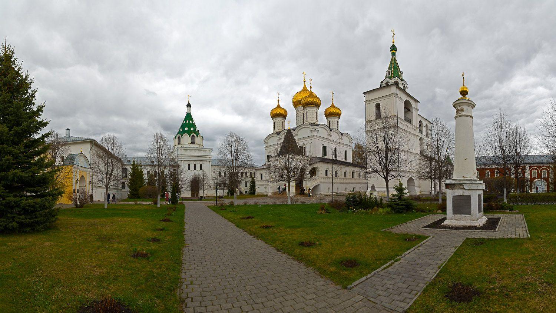Ипатьевский монастырь архитектура православие монастырь собор церковь колокольня Ипатьевский Кострома