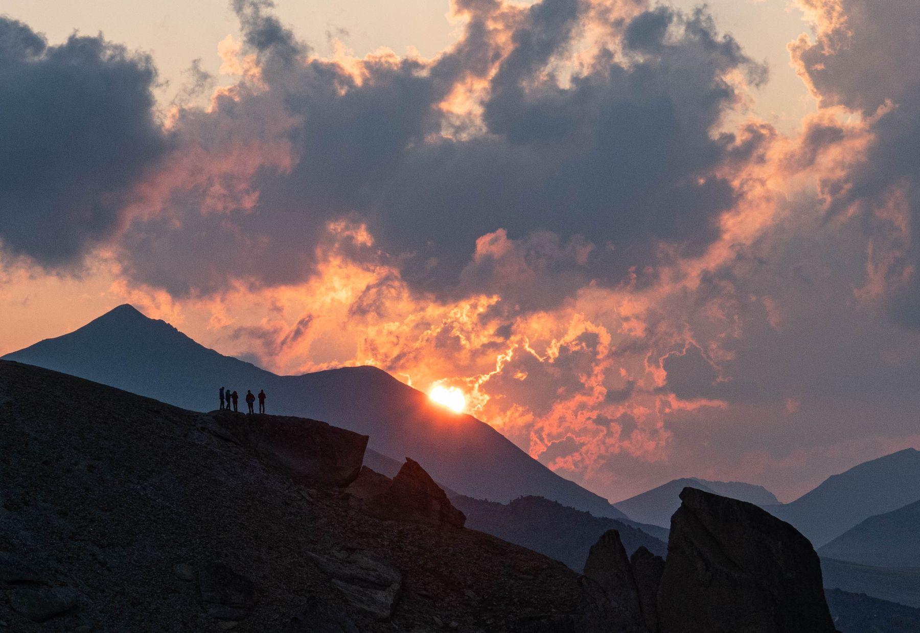 Закат горы природа закат