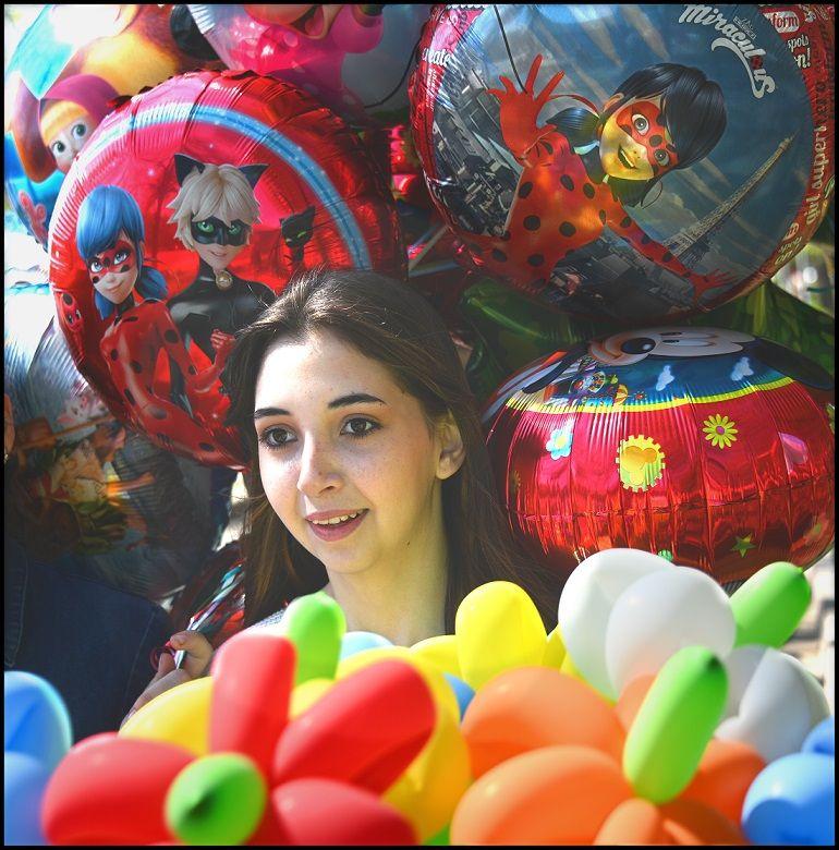 Девушка и шарики