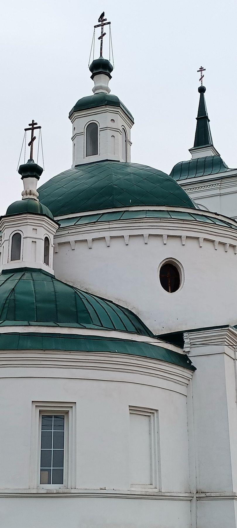 **Три изумруда в белой оправе* Церковь храм купола белая церковь изумрудные окна