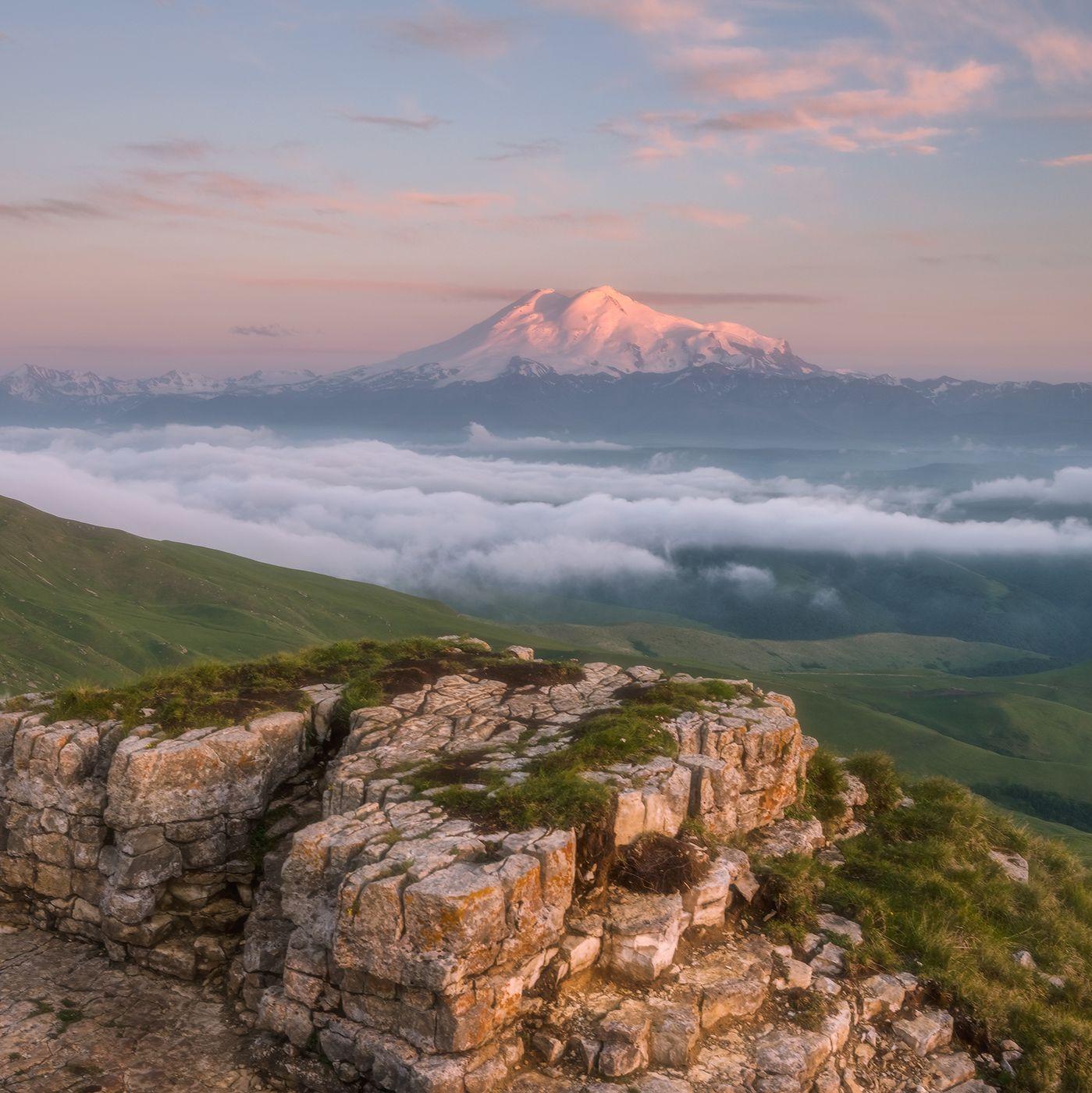 Бермамыт. Вид на Эльбрус. Северный кавказ карачаево-черкесия бермамыт эльбрус закат июнь