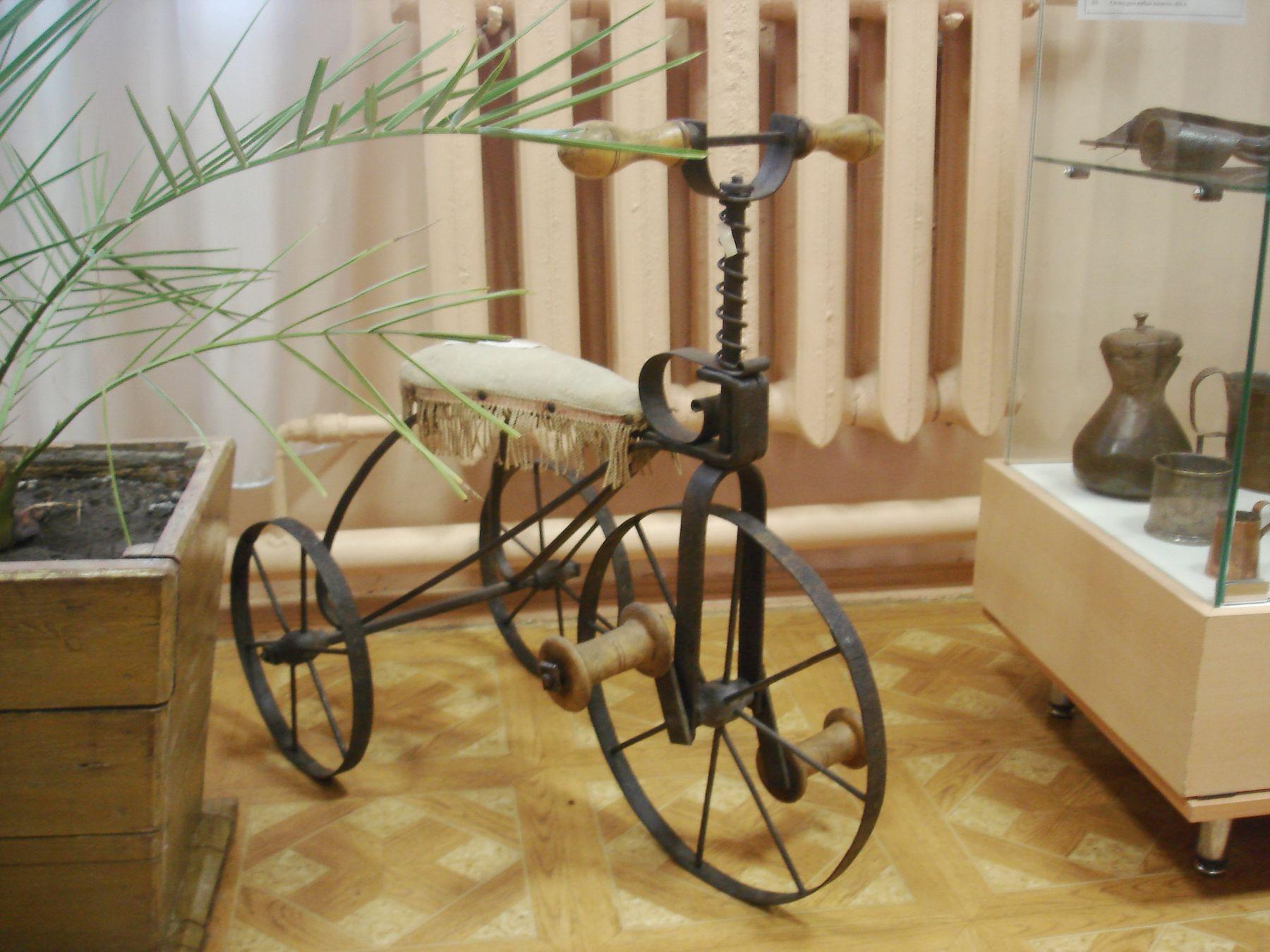"""Техническое """"чудо"""" позапрошлого века Музей детский велосипед Елец"""