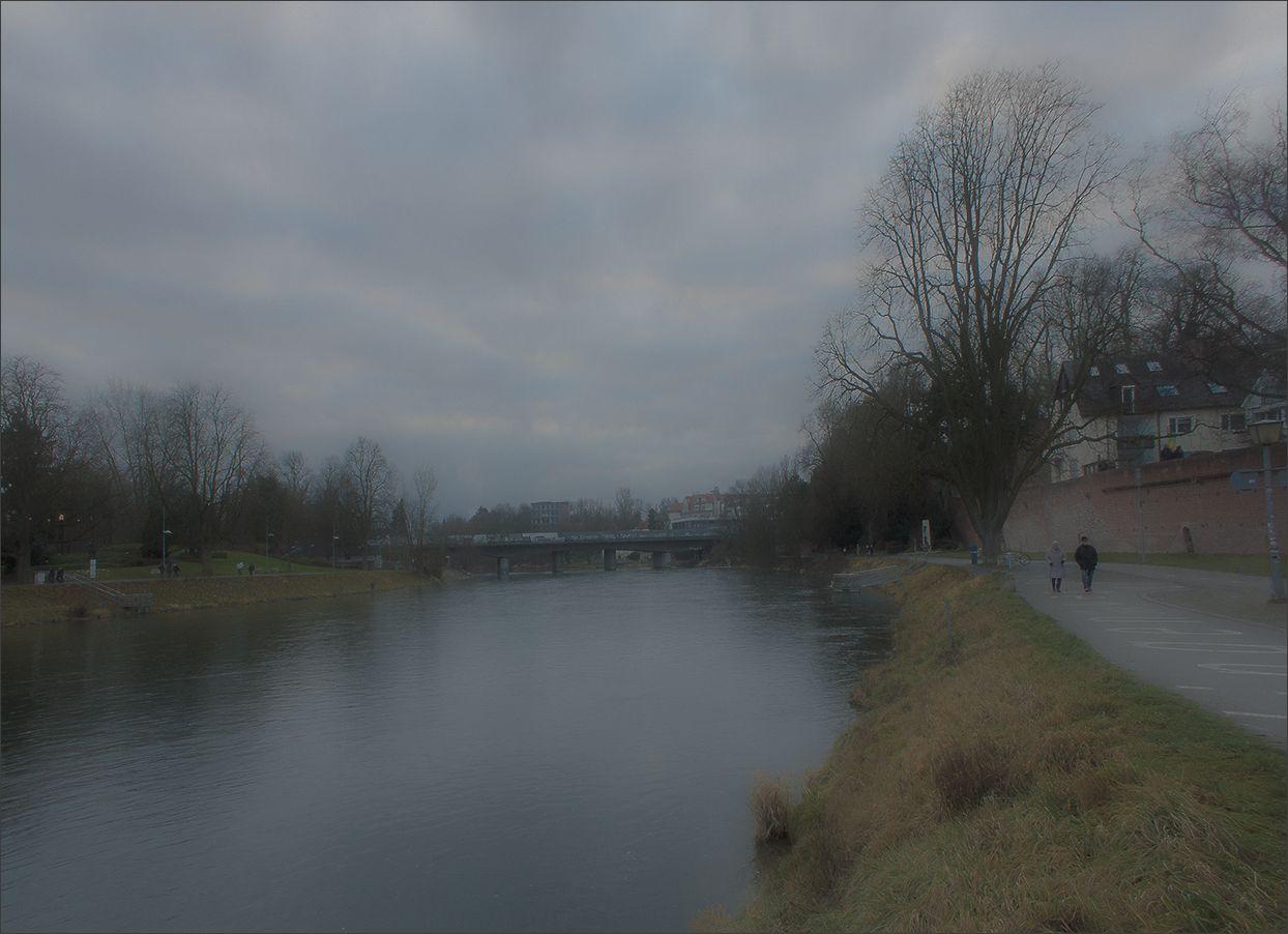 Январь... На Дунае.