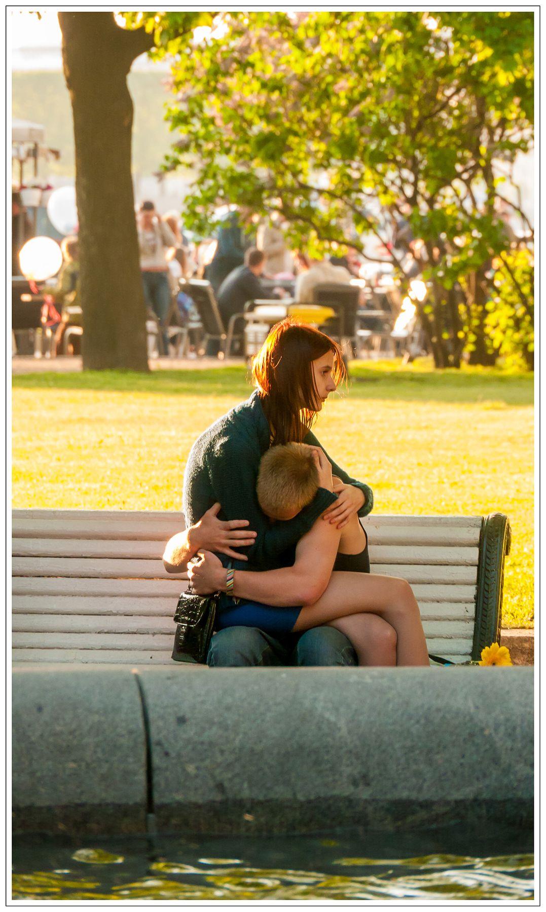 ***Адмиралтейский сад /Je t`aime, moi non plus... Двое скамейка солнечный вечер он и она Петербург