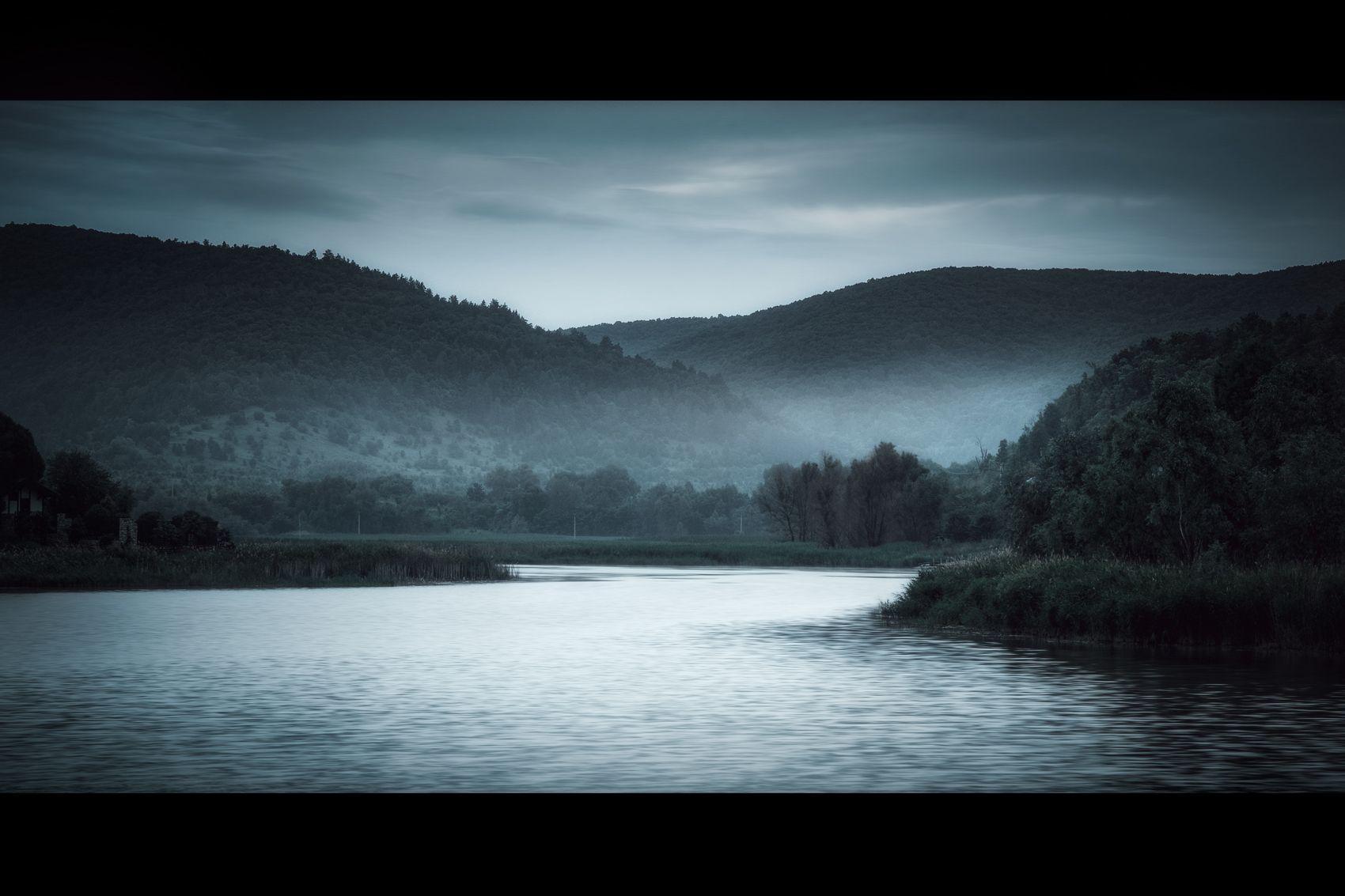 *** Горы озеро туман пейзаж природа лето лес