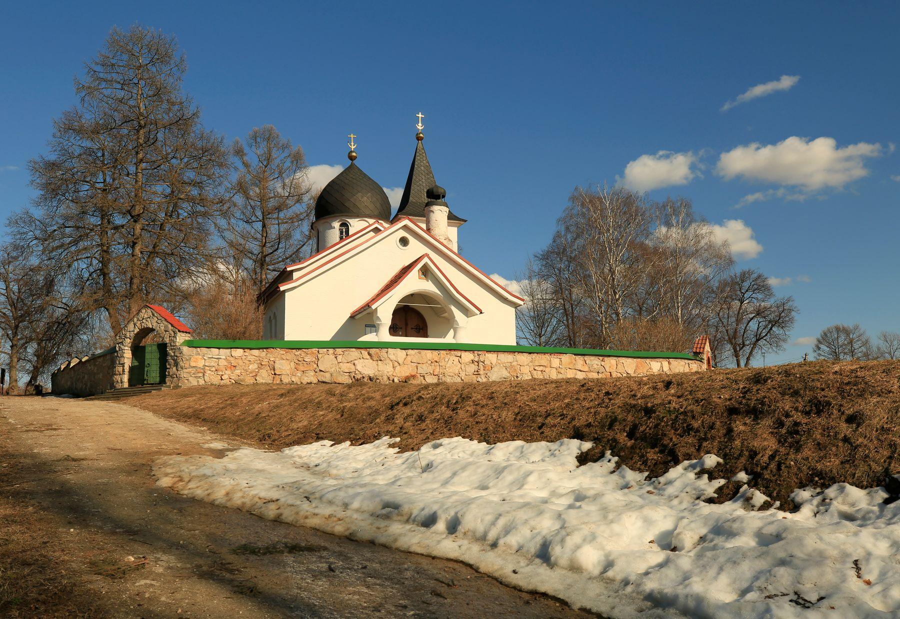 Последний снег Бехово Церковь Святой Троицы