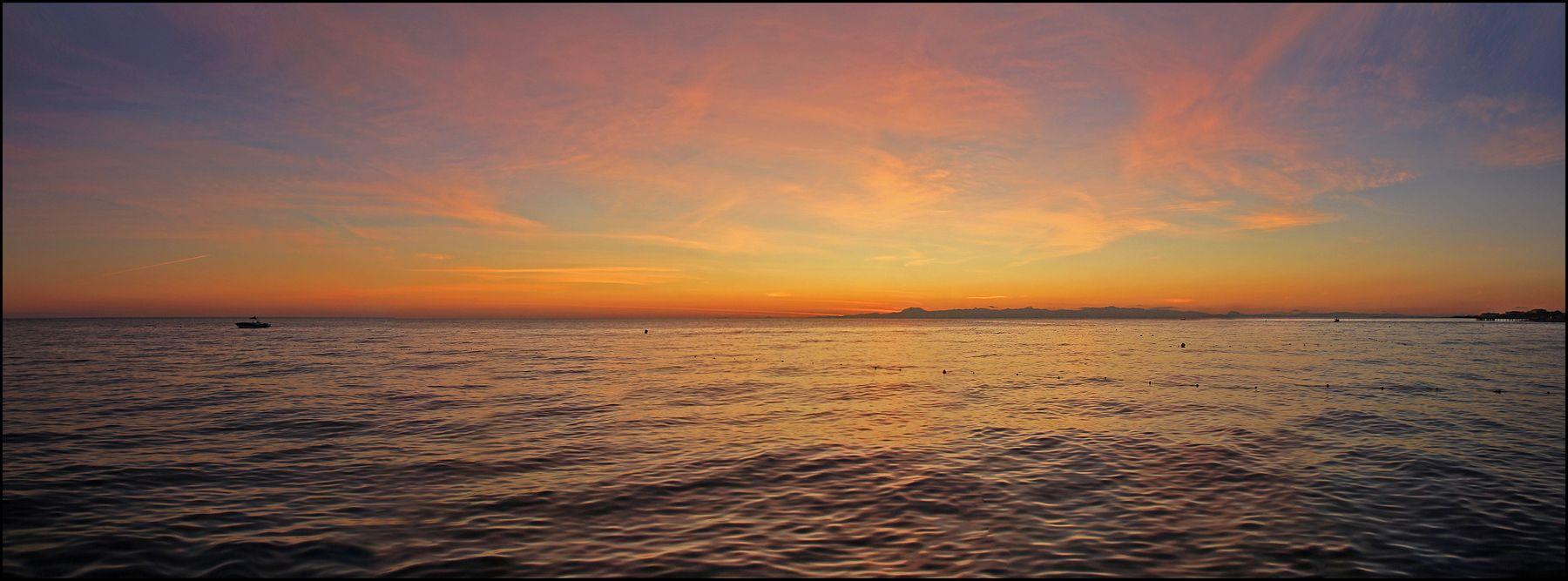 После заката... Турция Средиземное море Аланья вечер морской пейзаж после заката краски неба