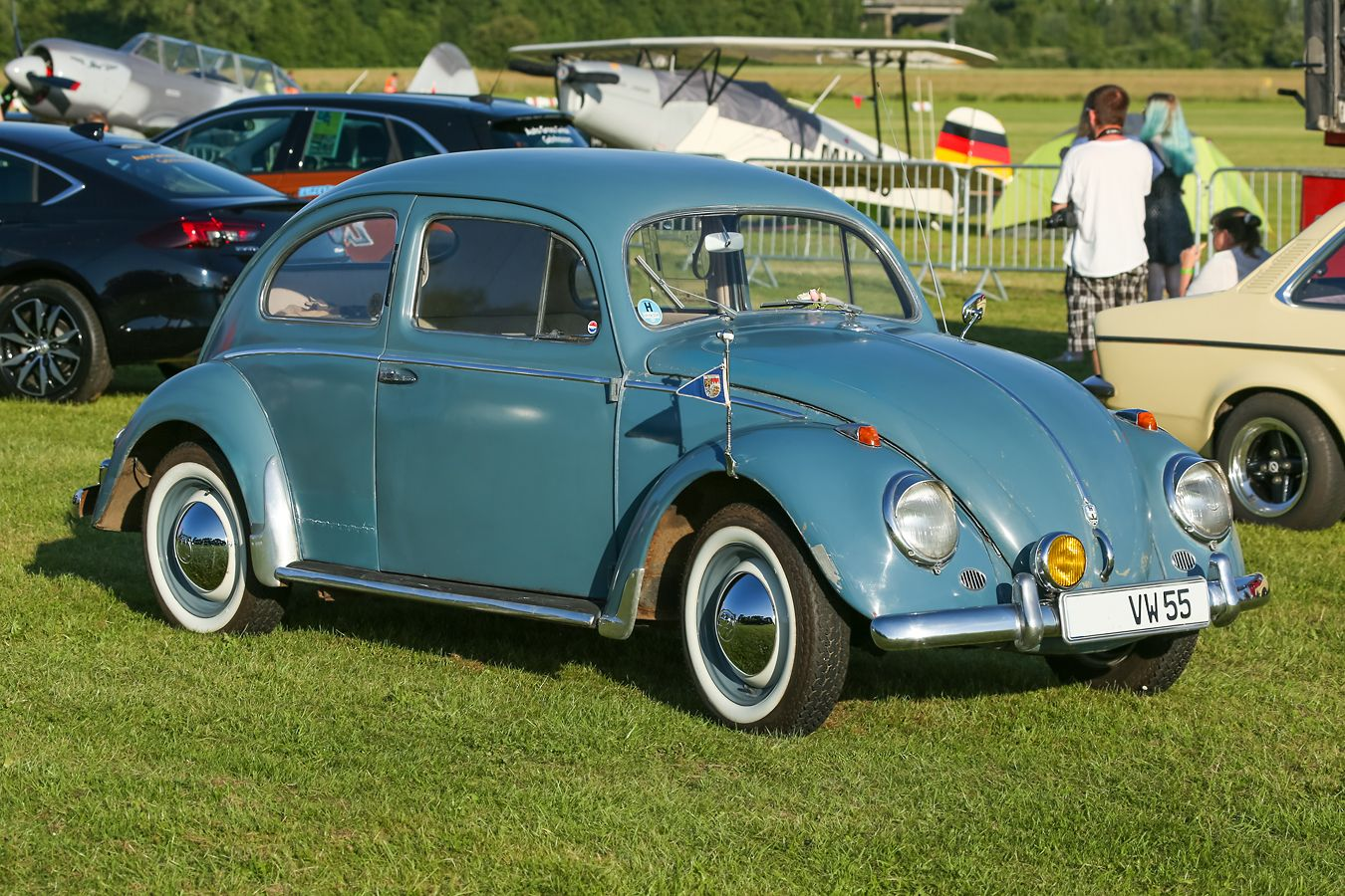 Жук. Автомобиль машина Фольксваген ретро Volkswagen oldtimer