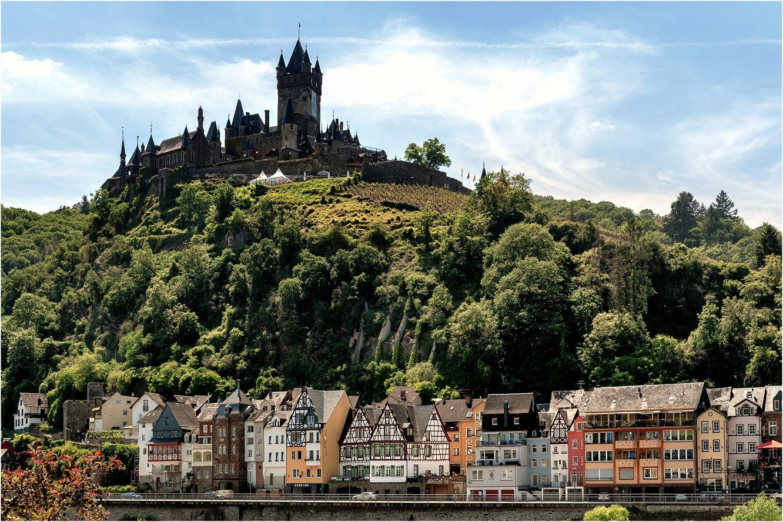 Замок Райхсбург — символ немецкого города Кохем
