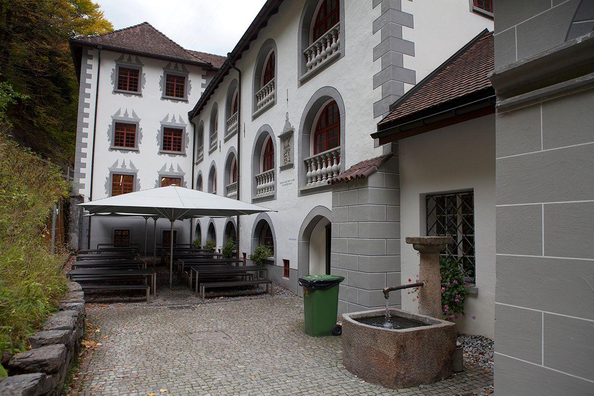Swiss October245