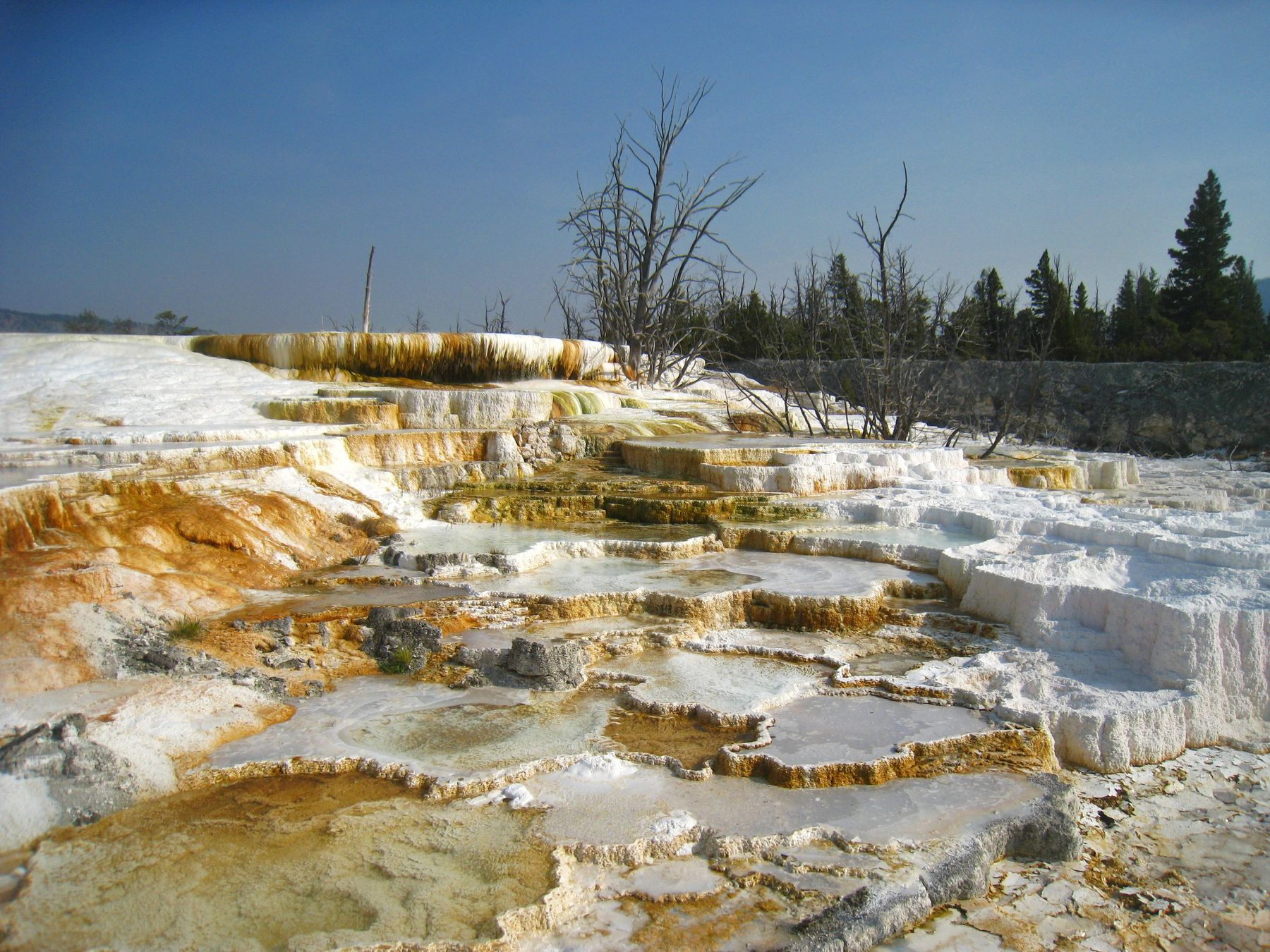 Orange Hot Spring. америка пейзаж скалы