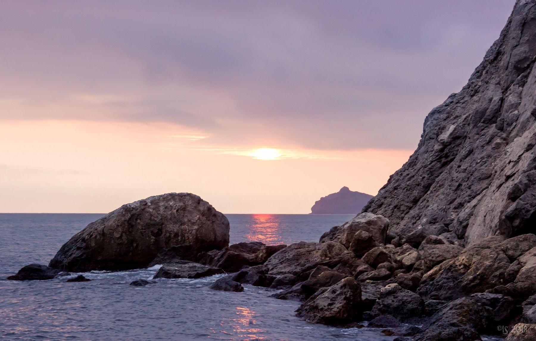Зимнее море в Крыму море закат Крым
