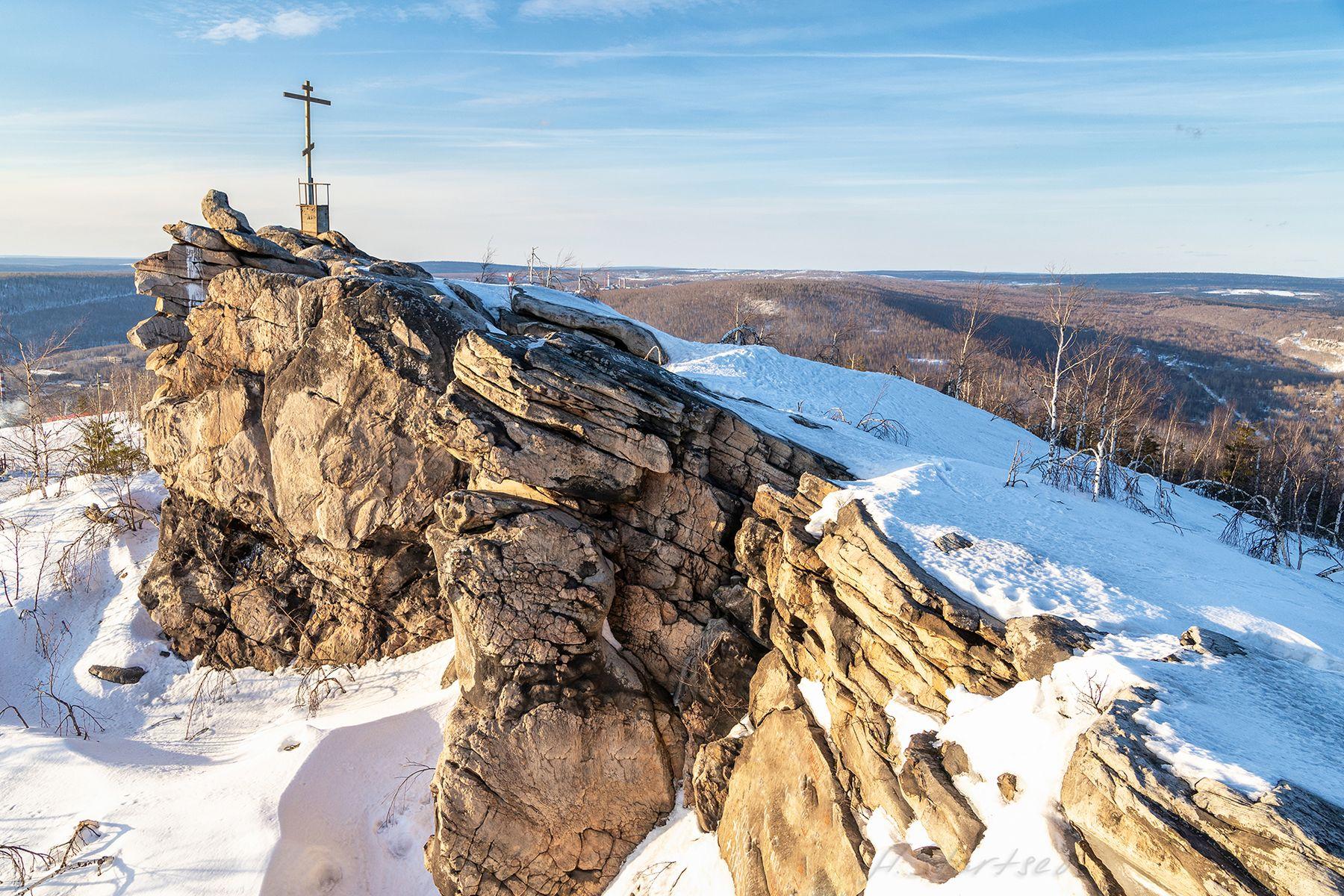 Гора Крестовая зима снег скала гора туризм пейзаж природа Пермский_край Урал небо вечер