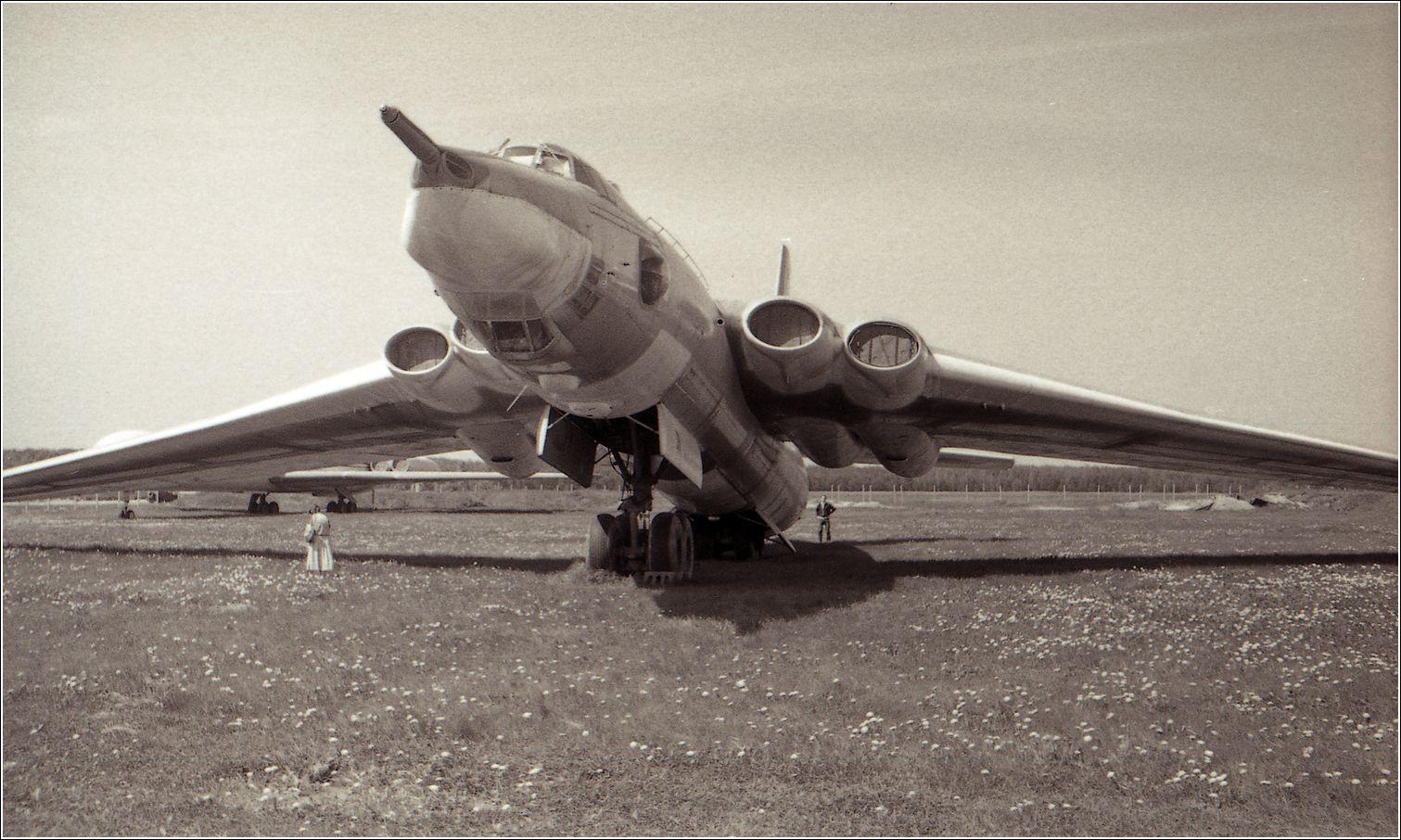 3МД Мясищев 3МД авиация самолет стоянка музей Монино 1986 год