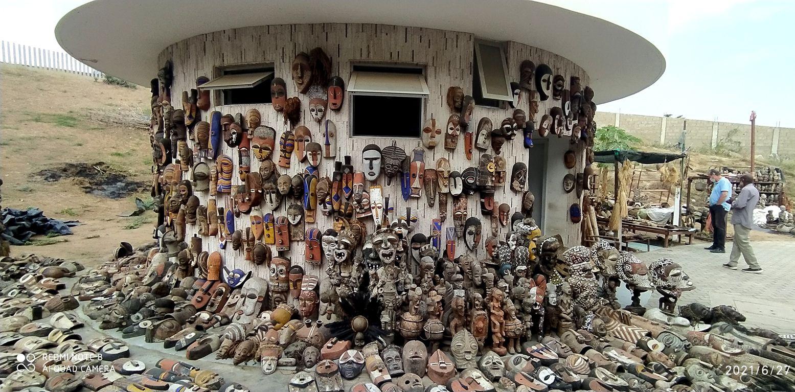 африканский рынок поделок , как музей (1) Африка искусство