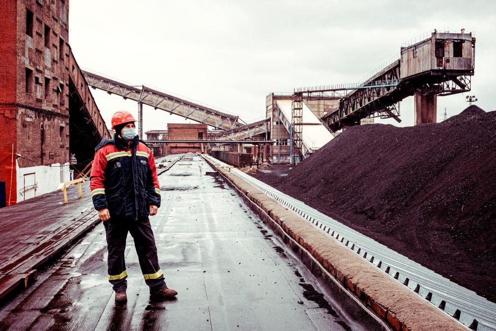 Из серии «Такая работа» работа дело профессия люди труд инсайд журналистика репортаж энергетика Россия уголь рабочий тэц 2021
