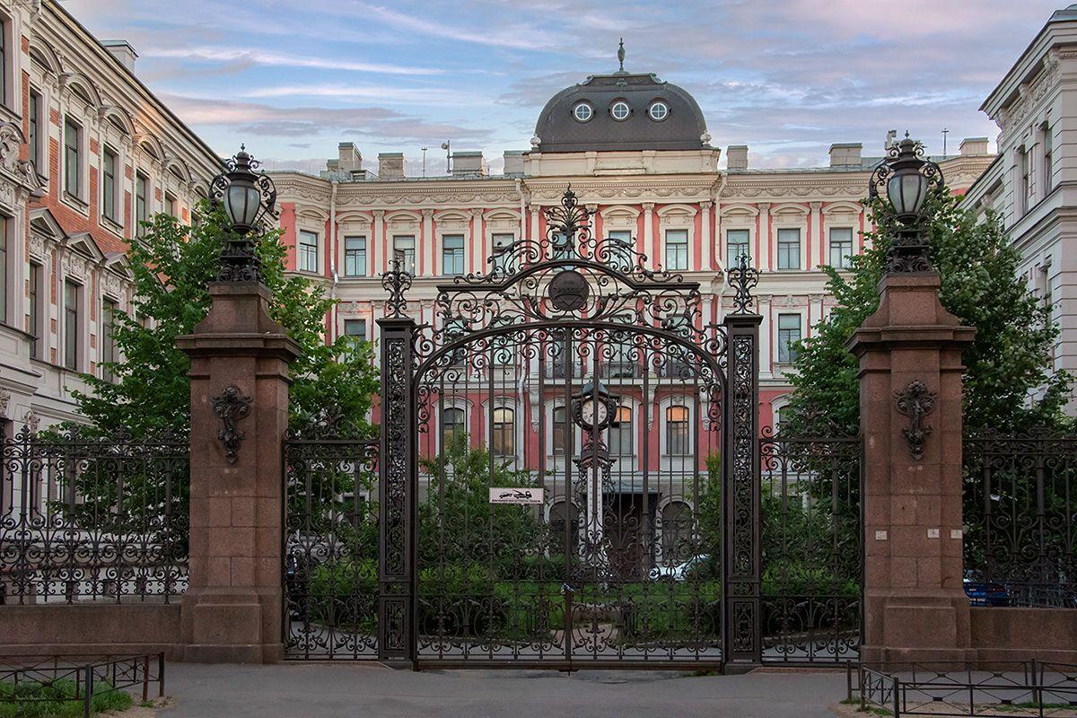 Дом на Моховой Корниловы Петербург Неоренессанс