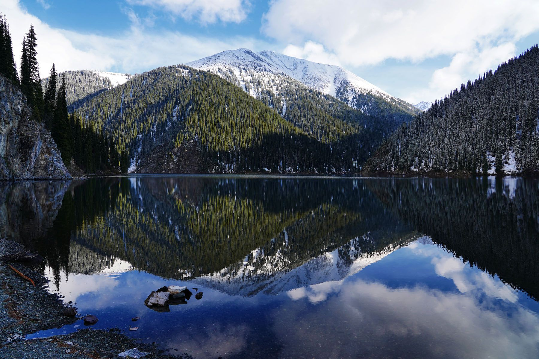 Второе кольсайское озеро - Казахстан