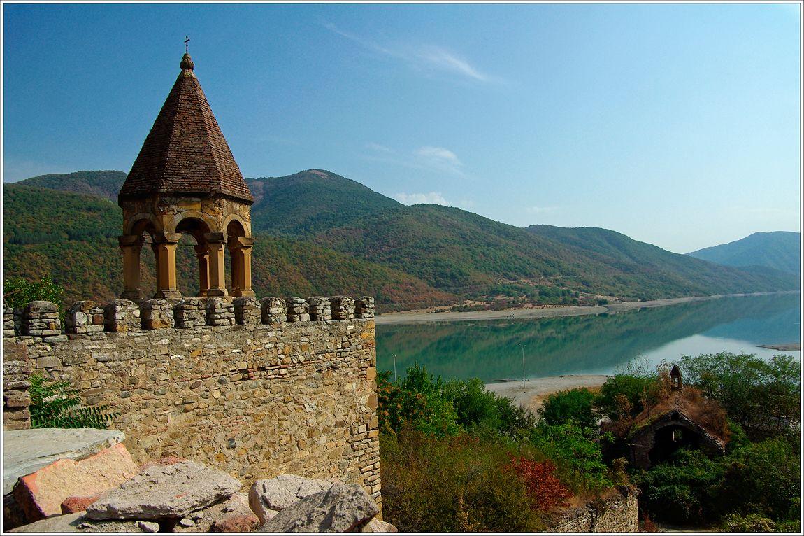 Страж воды Грузия крепость Ананури