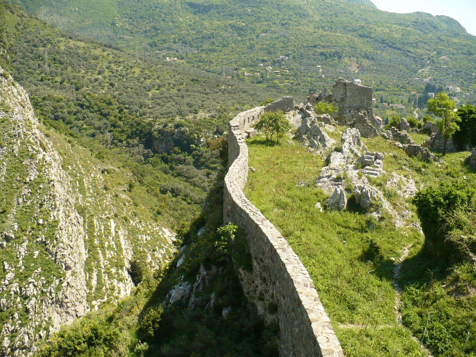 Стена Черногория Старый Бар