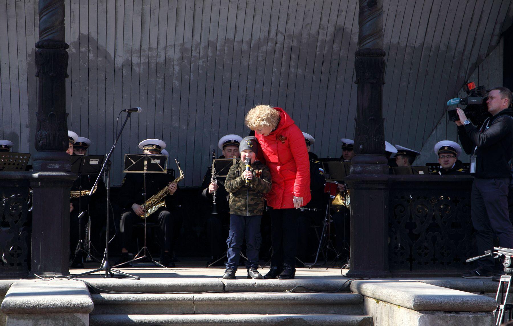 Признание в любви 9 Мая День Победы Санкт-Петербург Румянцевский сад духовой оркестр Морского корпуса Петра Великого