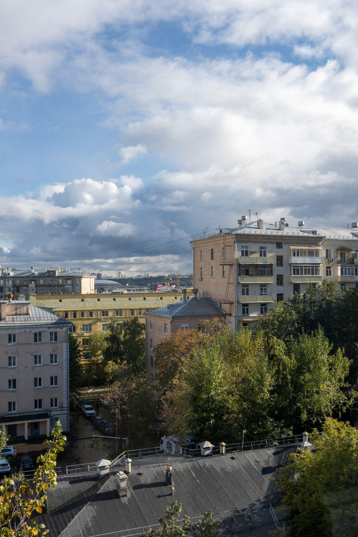 Москва сентябрь 2021 москва небо вид из окна облака