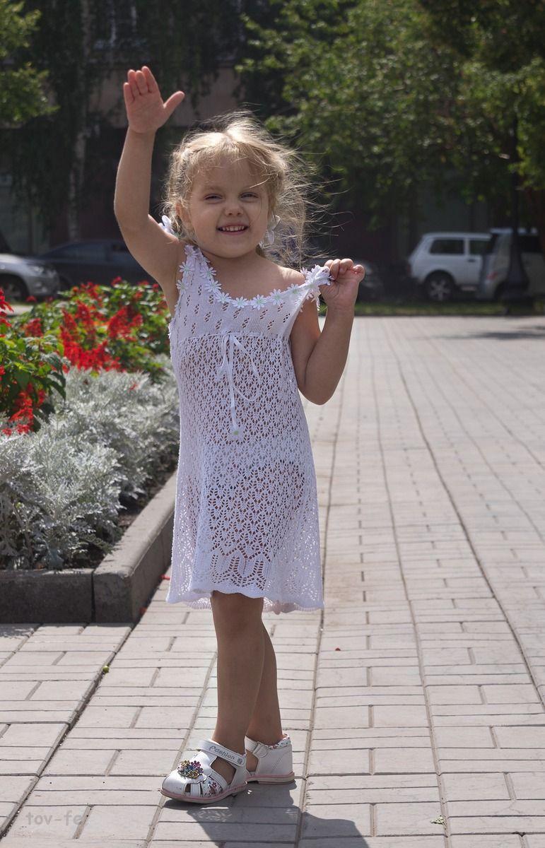 Натуральная блондинка девочка город лето