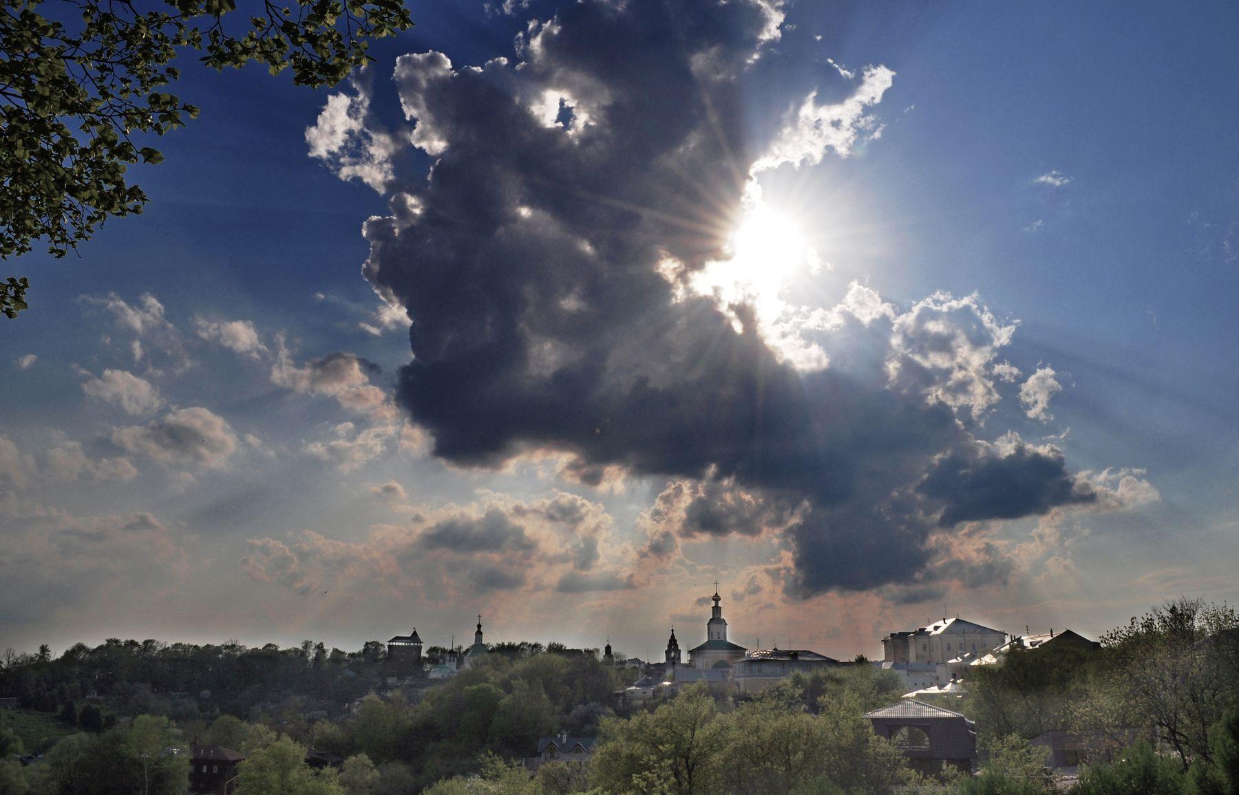 За облаком