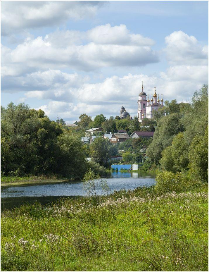 В пойме реки боровск церкви