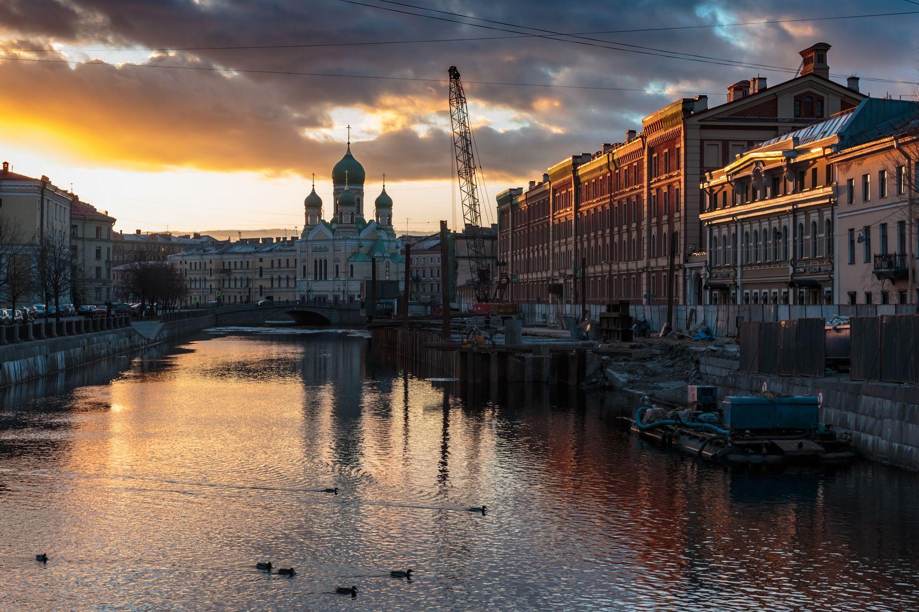 Вечерние утки Екатерининского канала Санкт-Петербург вечер вода канал река утки церковь