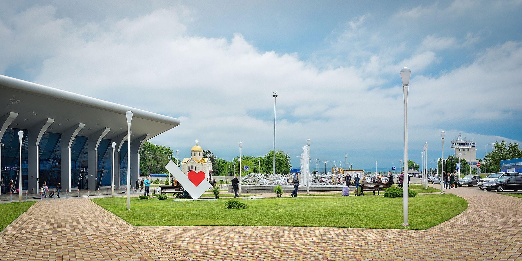 Аэропорт Минеральные Воды Архитектура город пейзаж фонтан аэропорт Минеральные воды Кавказ май весна