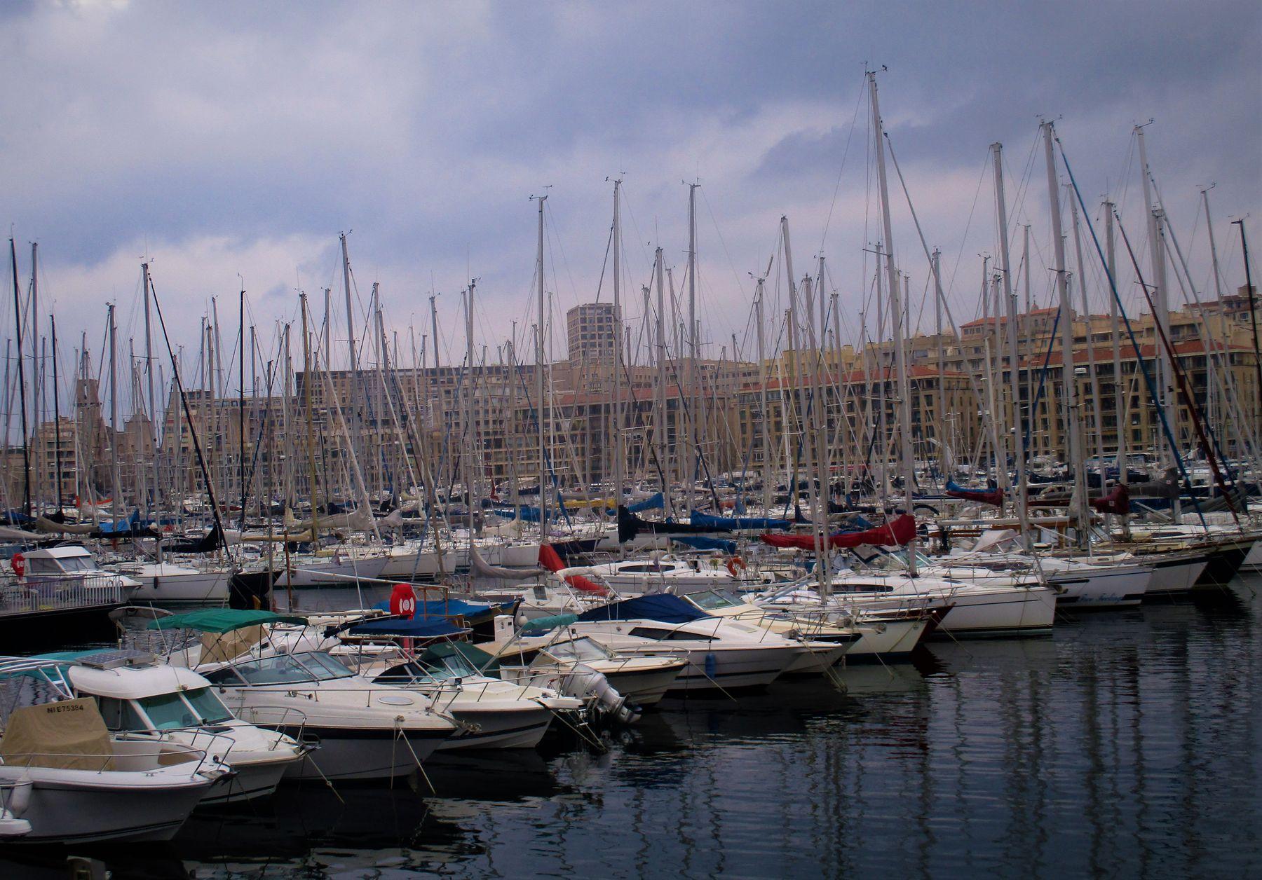 Ах, эти мачты, реи, паруса, канаты, бимсы, ванты, гроты, якоря и шкоты, краса и моря чудеса Путешествия стоянка яхт Испания