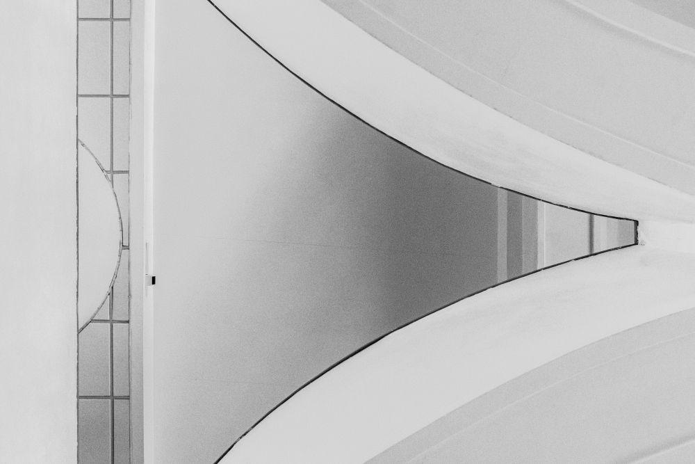 Из серии «Городские абстракции» архитектура здание линии формы изгибы город Ле Корбюзье Le Corbusier модерн культура архитектор идеал Россия 2021