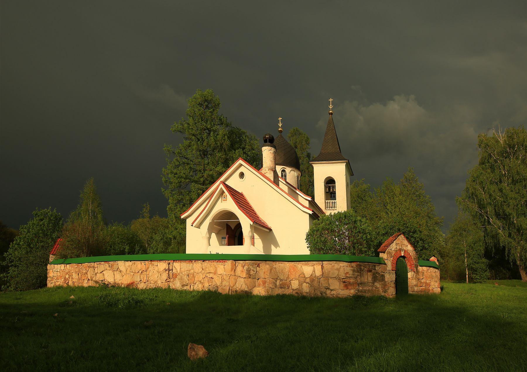 Проглянуло солнце Бехово Церковь Святой Троицы