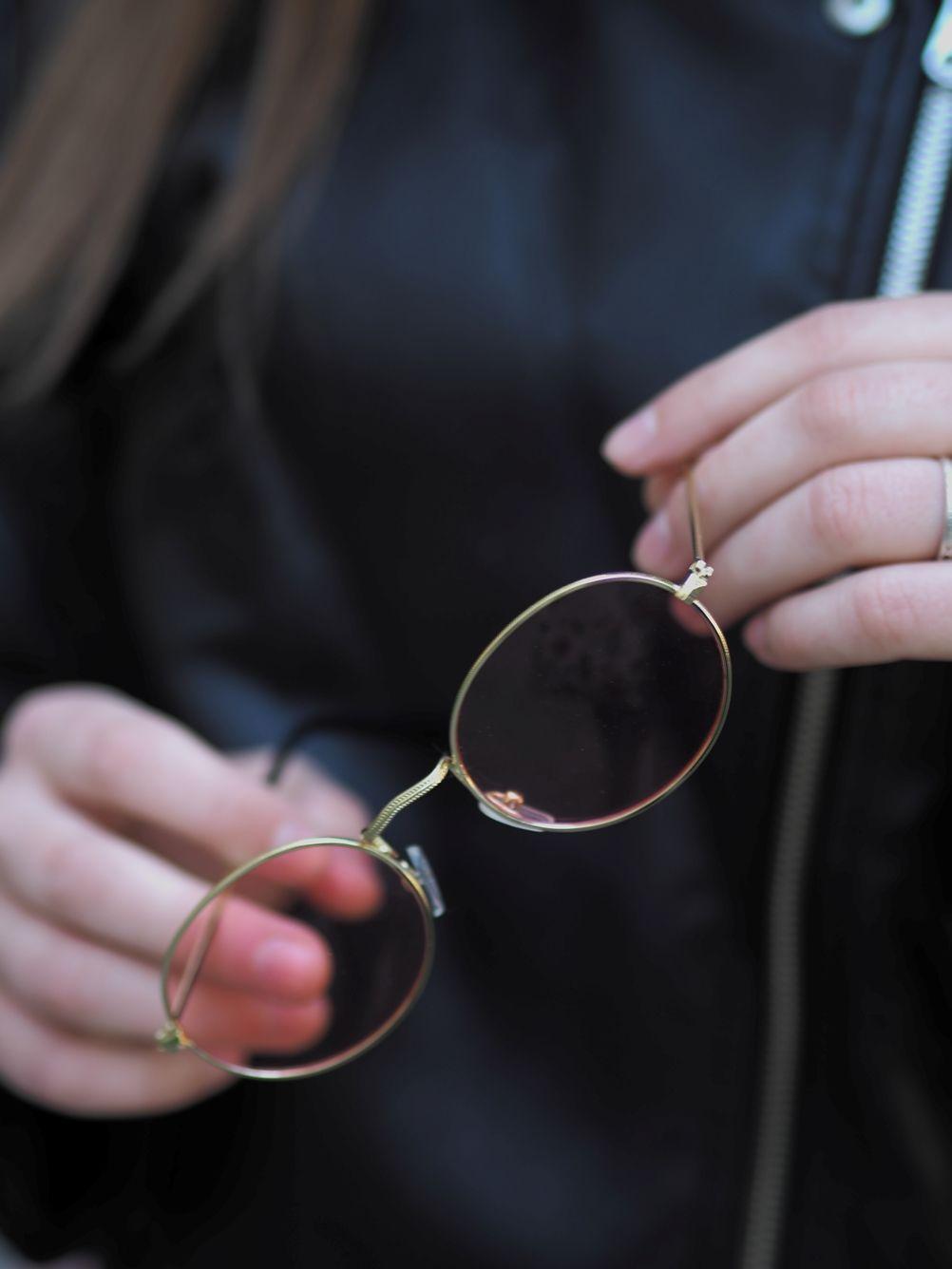 Очки Девушка очки кожанка