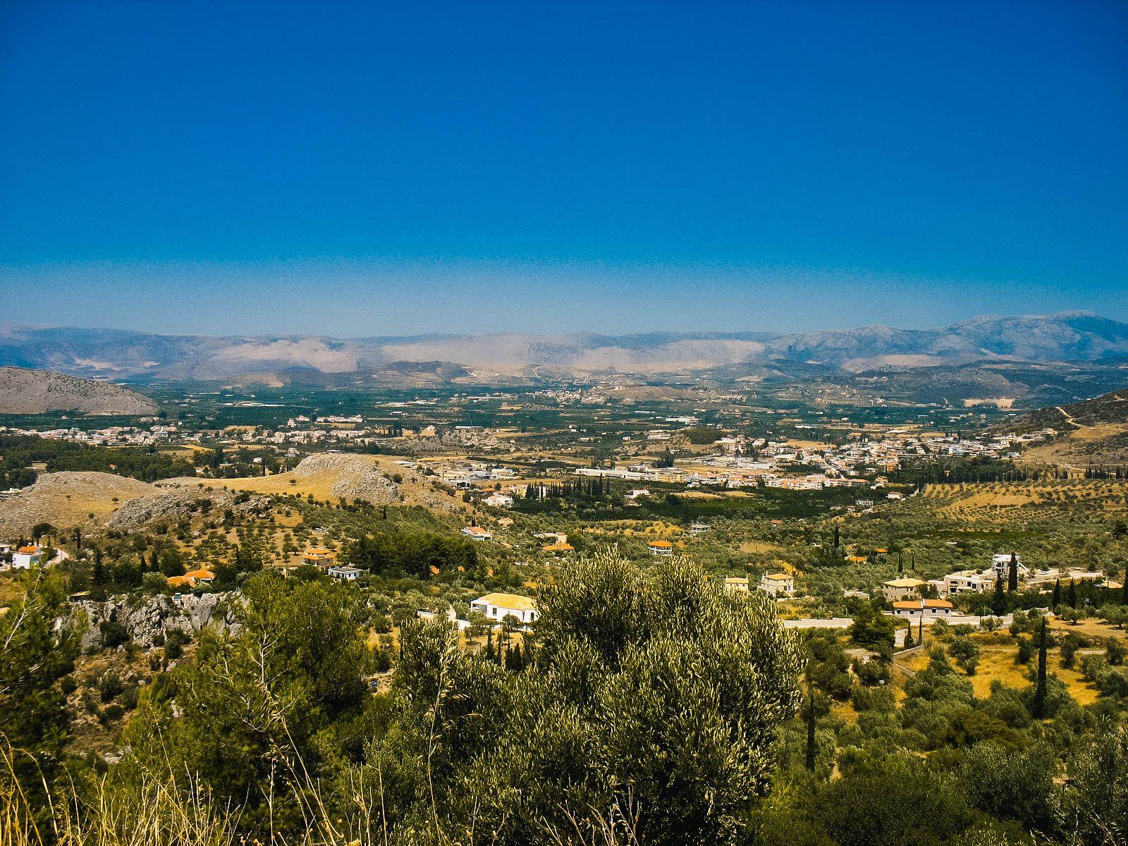 Долина на полуострове Пелопоннес, Греция (17.07.2008)