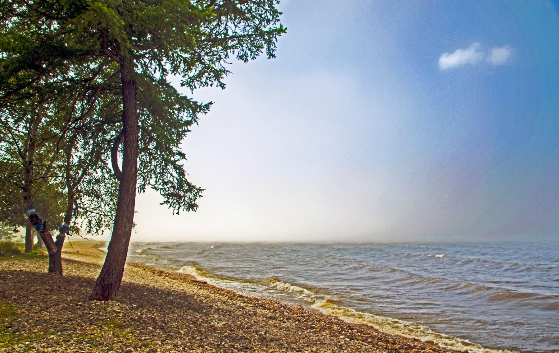 Байкал в Заречье бурятия байкал волна туман природа пейаж озеро лето