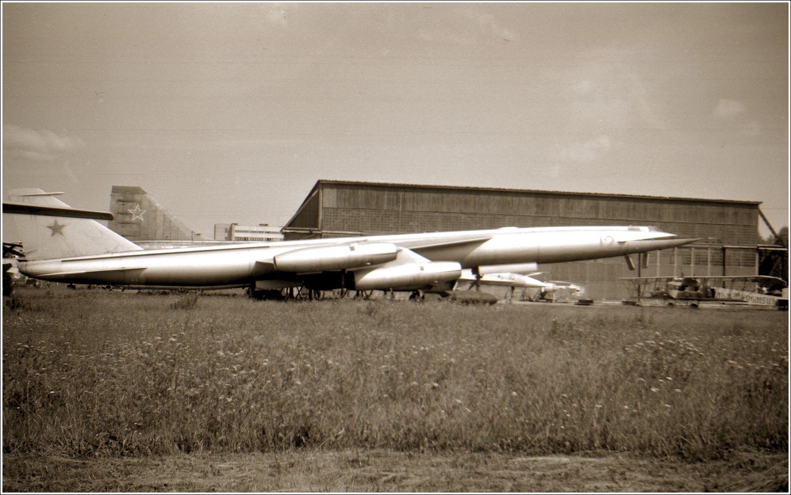 М-50А М-50А авиация самолет стоянка музей Монино 1998